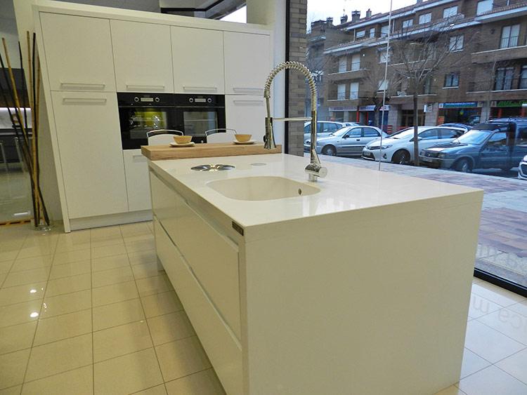 Fabricacion venta y montaje de muebles de cocina en for Simulador de muebles de cocina